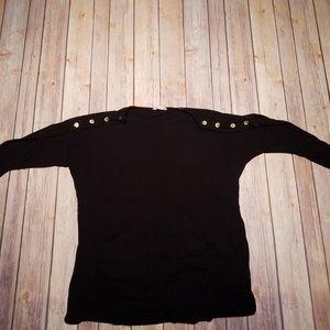 Black flowy top!